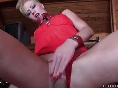Slut in thick leather collar has pov sex tubes