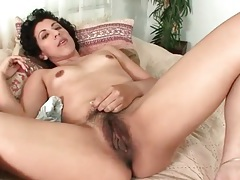 Hairy mature pussy pulled on by solo chick tubes