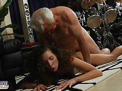 Fat old man fucks curly hot babe tubes