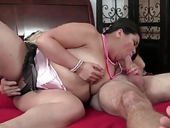 Fat girl gives old guy a sexy blowjob tubes