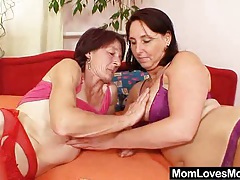 Unshaved grandmother toyed by well-endowed mama lesbian tubes