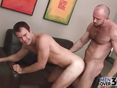 Smoking hot bear top fucks that tight asshole tubes