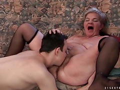 Young man passionately eats out old pussy tubes