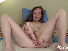 Beauty ana toy her pussy tubes