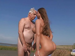 Old guy seduced and fucked by a nympho busty girl on the beach tubes