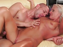 Blonde mature pounded in her old asshole tubes