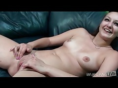 Sexy snatch eaten out and fucked on couch tubes