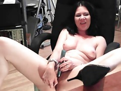 Naked brunette beauty has hot webcam sex tubes