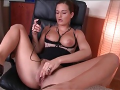 Horny solo babe at office masturbates pussy tubes