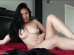 Latina lustily plays with her bald vagina tubes