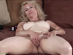 Masturbating mature has incredible big tits tubes