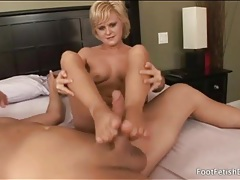Foot fucking is sexy with a horny blonde girl tubes