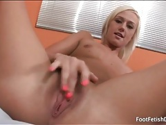 Tanned blonde in hypnotic striptease porn video tubes