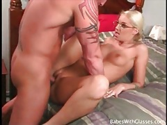 Blonde girl in glasses sucks and fucks big cock tubes