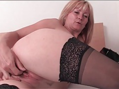 Pretty blonde mature in sexy stockings masturbates tubes