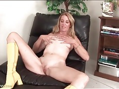 Slutty latex boots on naked masturbating chick tubes