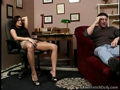 Sucking on her beautiful toes turn him on tubes