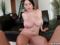 Girl with gorgeous curves sucks big cock tubes