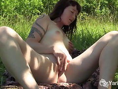 Tattooed amateur turqoise masturbating her twat tubes