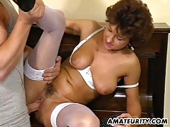 Mature amateur wife homemade threesome with cum tubes