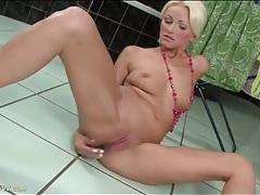 Bleach blonde cutie finger fucks her pussy tubes