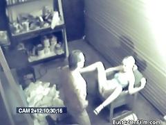 Mechanic fucks a sexy customer in garage tubes