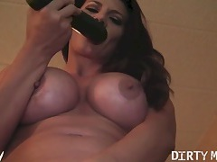 Leena fucks a cucumber tubes