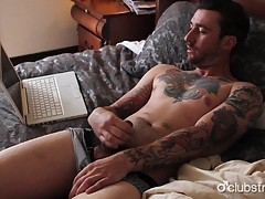 Tattooed straight guy dave masturbating tubes