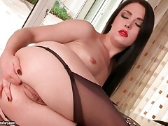 Red lipstick looks sexy on ass fingering girl tubes