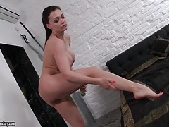 Aletta ocean showers and lotions up her legs tubes