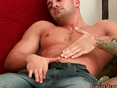 Hot and muscular solo guy jerks off tubes