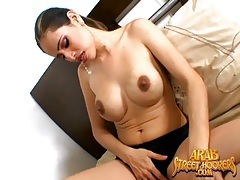 Arab babe dances and does a sexy striptease tubes