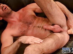 Hairy solo hottie toys his tight asshole tubes