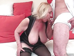 Big tits mature in lingerie likes to fuck tubes
