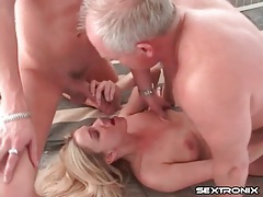 Cute blonde double penetrated and taking cumshots tubes
