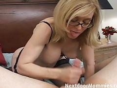 Naughty cougar love to give handjobs tubes