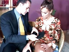 After dinner blowjob from a sexy brunette tubes