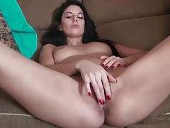 Milf rubs her hairy pussy in solo fingering video tubes
