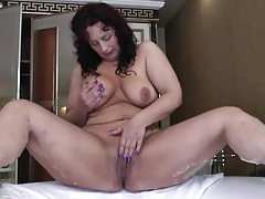 Big ass old babe masturbates in her bathroom tubes