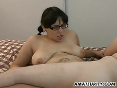Chubby amateur girlfriend sucks and fucks tubes