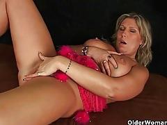 Grandma craves an intense orgasm tubes