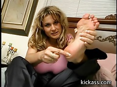 Dirty talking girl teases her sexy feet tubes