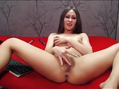 Webcam chick slobbers on a dildo and fucks it tubes
