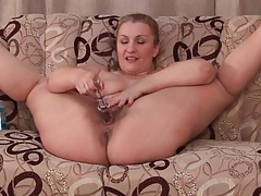 Flexible fatty fucks hairy cunt with a toy tubes