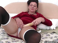British milf loves anal play tubes