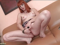 Redhead finger fucks her gorgeous pussy tubes