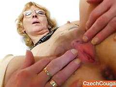 Blondie mother gapes and fucks her fuck hole tubes