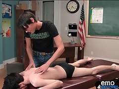 Sexy twink gets a massage and gives head tubes
