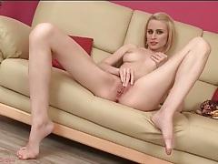 Stunningly sexy blonde masturbates naked tubes