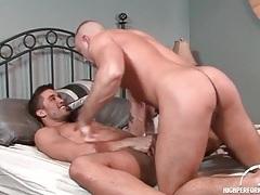 Hunk anal sex scene with both guys cumming tubes